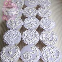 Hearts and Pearls by Amanda Earl Cake Design