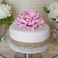 Cake with pink peony