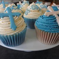 baby boy blue cross christening cupcakes