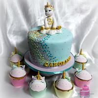 Unicorn cake and matching cupcakes