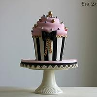 Giant Chic Cupcake Cake