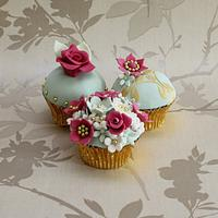 MOTHERS DAY CUPCAKES by Cake Cucina