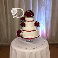 Rose & lace Wedding cake