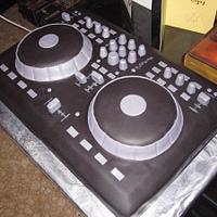 Mixtrack Pro Cake by Kimberley Jemmott