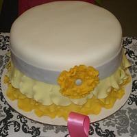 Yellow & Gary Ruffle Cake