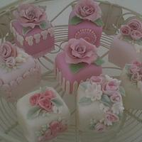 Rose Garden Mini Cakes