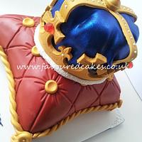 Crown and Cushion Cake