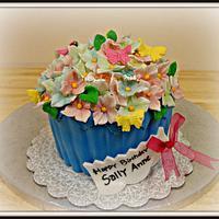 Giant Cupcakes with Hidrangea Flowers