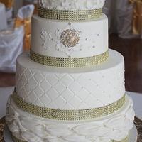 Ivory/ Gold Wedding cake