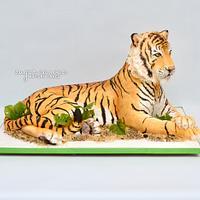 Sculpted tiger cake!