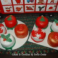 Christmas mini cakes by Sofia Costa (Cakes & Cookies by Sofia Costa)