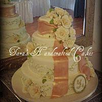 rose wedding cake by Taras Handcrafted Cakes
