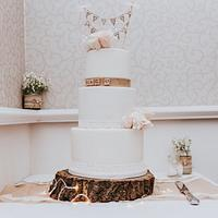 Natural rose and lace wedding cake