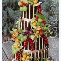 country wedding cake - no fondant art just chocolate and fruit