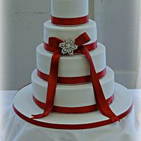 Claret wedding cake