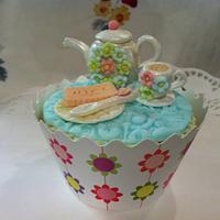 teapot cupcake toppers by Elli Warren