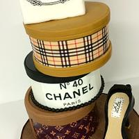 Another variation of a previous fashion cake boxes