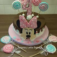 Minnie mouse cake & lolypops
