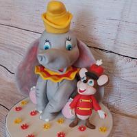 Dumbo cake topper ❤
