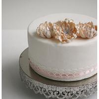 Daisy cake  by Patricia Tsang