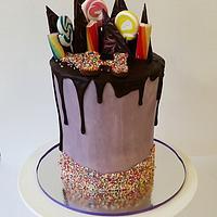 7.5 inch tall red velvet mud cake