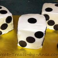 Bunco Mini Cakes