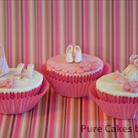 Cupcakes for a woman - shoes and handbag