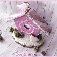 Icing cookies: Gingerbread house