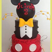Master of Ceremony Mickey Mouse Cake by Joly Diaz