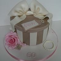 Simple Hat Box Cake