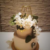 untraditional wedding cake