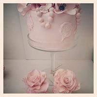 Engagement flower rose cake