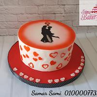 Couple silhoutte and hearts airbrushed cake