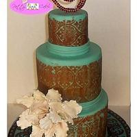 Cake w/a Plate to Match
