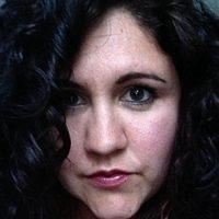 Claire Trainor-Hayes (Pretty Petals Cakery)