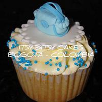BOY BABYSHOWER CUPCAKES by Itsy Bitsy Cakes