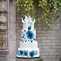 Dutch pottery inspired hand painted cake