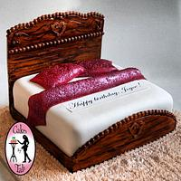 Detailed wood bed cake