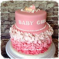 Baby Shower cake with cupcakes