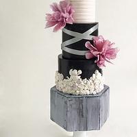 Modernly tier cake