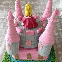 Princess castle cake by lathangue