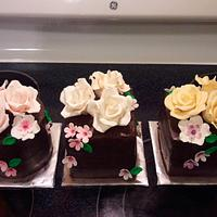 Mother's Day Mini Cakes