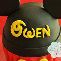 Mickey Mouse theme cake by Claudia Gonzalez