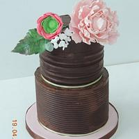 striped ganache with Ranunculus and closed Peony spray