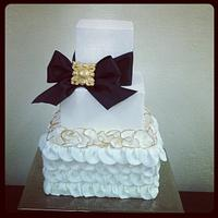 Ruffle & bow cake