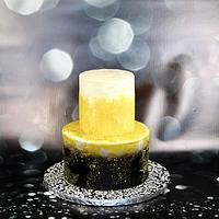 Black and gold glitz cake