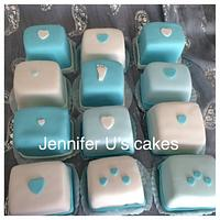 Baby shower mini cakes