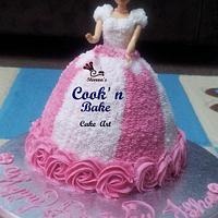 Pretty pink n white barbie..