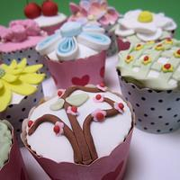Speciality Cupcakes by Lydia Evans