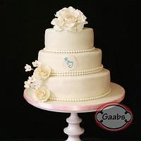 ivory weddingcake